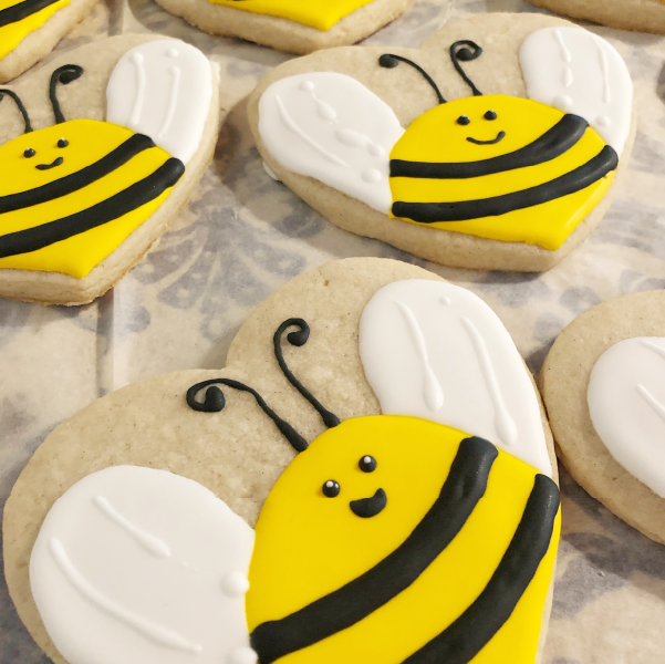 Image of vanilla sugar cookies in the shape of bees.